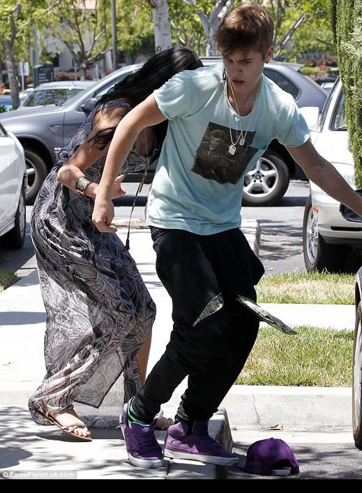 "Джъстин Бийбър и One Direction обидени на ""Грами"""