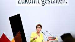 Фаворитът за наследник на Меркел: ЕС и САЩ трябва да блокират руските кораби