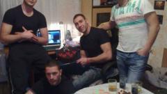 Метин Енимехмедов празнува свободата на брат си