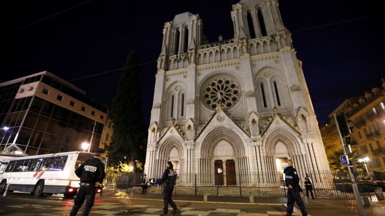 Френският министър на вътрешните работи е взел на прицел рафтовете