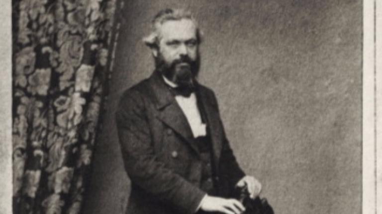 Вандали оскверниха гробницата на Карл Маркс в Лондон