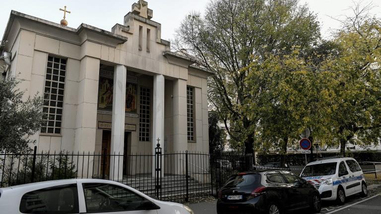 Задържан е заподозрян за стрелбата край гръцка православна църква в