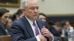 Сешънс се защити пред Конгреса за руската афера, никога не бил лъгал