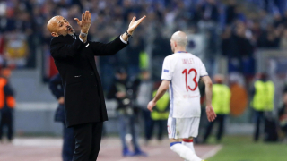 Спалети продължава да флиртува с основните конкуренти на Рома