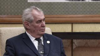 Подигравки и критика по адрес на президента на Чехия за скандала с Москва