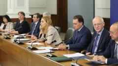 Синдикати и работодатели заровили томахавките с Тристранно споразумение