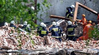 Двама са в неизвестност след взрив в полска фабрика