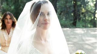 Хилъри Суонк се омъжи