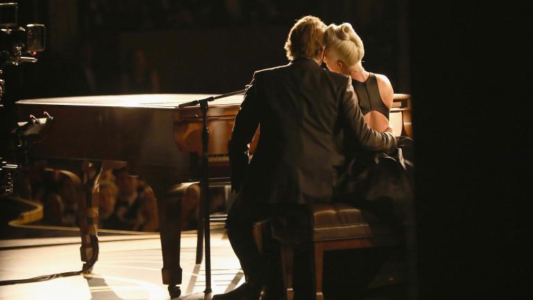Заедно ли живеят Лейди Гага и Брадли Купър