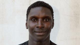 Голова машина от Сенегал пред подпис с Етър