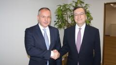 Шефът на ЕЦБ гледа позитивно на желанието ни за членство е Еврозоната