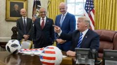 Тръмп предупреди Google, Facebook и Twitter да внимават