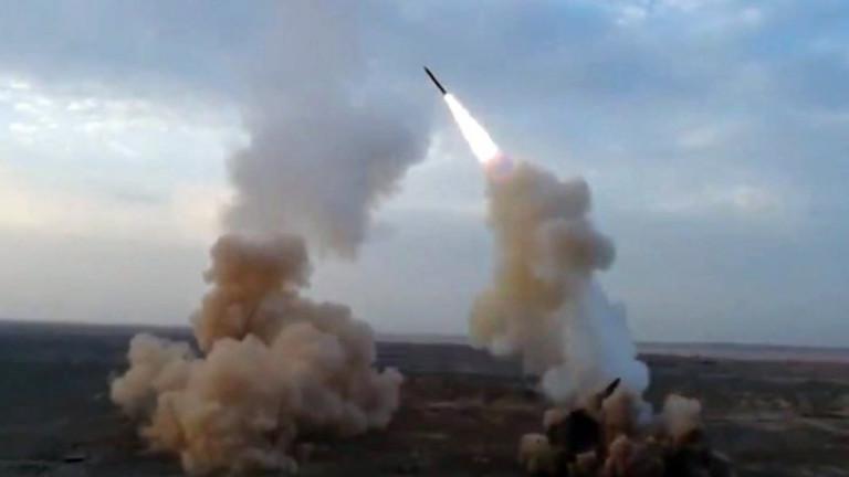 Иран с военноморски учения до Ормузкия проток