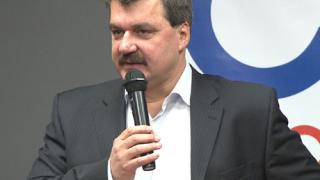 Тодор Батков инспектира Левски