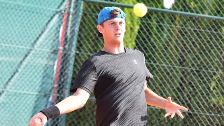 Александър Лазаров загуби от руснак на 1/4-финал в Тайланд
