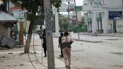 Атентатори самоубийци и кола бомба атакуваха база на Африканския съюз в Сомалия