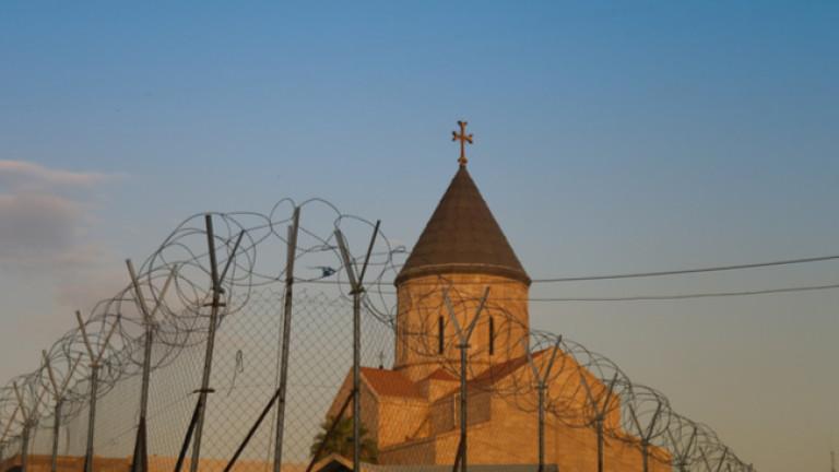 Иракски християнски свещеник предупреждава, че християнството изчезва в страната, надява