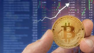 Възраждането на Bitcoin продължава, поскъпна до двумесечен връх