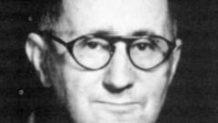Отбелязват 110 години от рождението на Бертолд Брехт