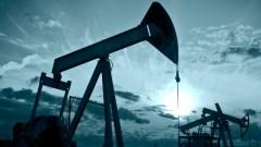 Петролът леко спада. Играчите прибират печалбата, във фокуса е Иран