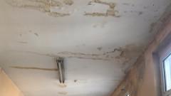 Покривът на Ботевградската болница тече, планират ремонт за догодина