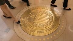 Доларът и златото без резки движения очакват решенията на Фед