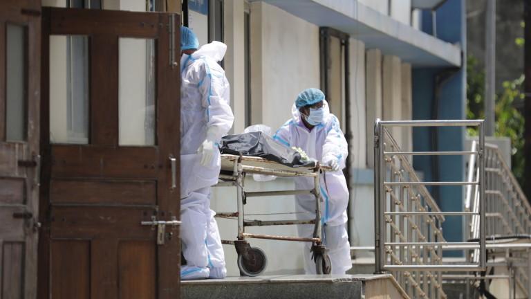Индия пак счупи рекорда за COVID заразени, близо 350 000 за 24 часа