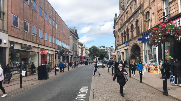 Броят на празните магазини по централните улици на по-големите градове