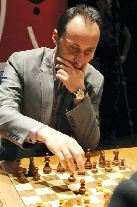 Свалиха Топалов от първото място