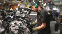 """Търговската война """"тежи"""" на американското производство. Но тя не е единственият му проблем"""