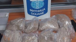 Три българки се опитаха да внесат над 3 кг хероин от Турция