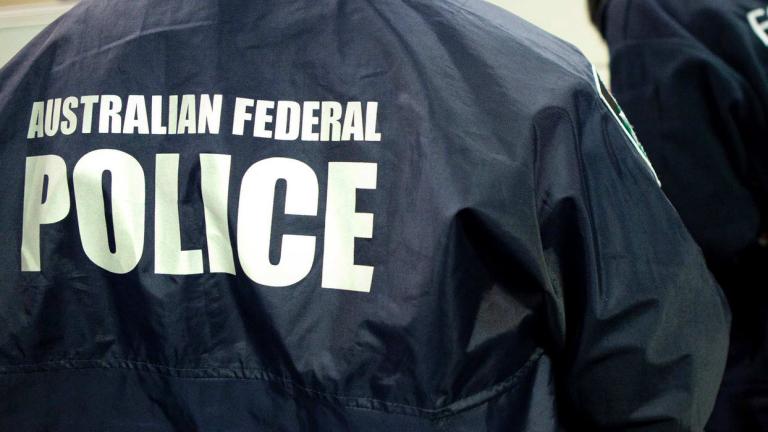 В Австралия задържаха петима мъже за опит да се присъединят към ДАЕШ
