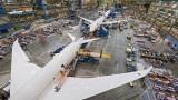 Boeing инспектира 400 нови самолета 737 MAX заради парцали и инструменти в резервоарите