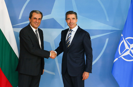 Не можем да увеличим средствата за отбрана, заяви Орешарски в НАТО