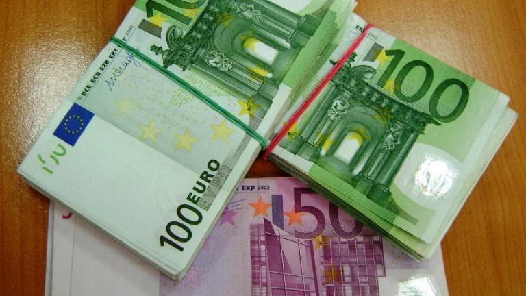 Гърция погва големите длъжници. Търси 77 милиарда евро