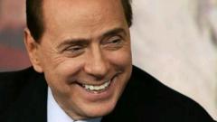 Берлускони се завръща в политиката, примамва избирателите с ниски данъци и щедри социални помощи