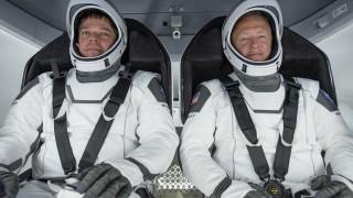 Оставка в НАСА преди историческата космическа мисия