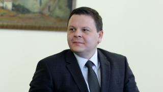 За 2 седмици влаковете са подобрили графика си, уверява министър Алексиев