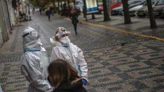 Коронавирус: Чехия затвори баровете, ресторантите, клубовете и училищата