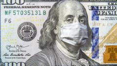 Доларът леко отстъпва пред еврото, паунда и йената