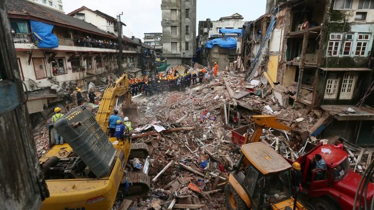 33 станаха жертвите на рухналата сграда в Мумбай