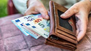 Инфлацията продължава да е заплаха за влизането ни в ERM II