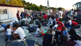 Гърция предислоцира още стотици мигранти от Лесбос в Солун