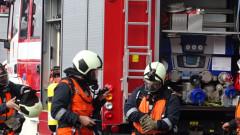 Сграда пламна в двора на болницата в Шумен, няма пострадали хора
