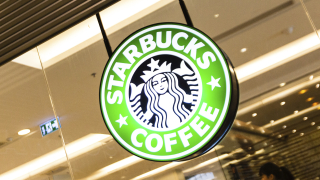 След двоен растеж на продажбите Starbucks отчита по-слаби резултати
