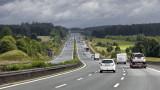 Защо най-богатата държава в Източна Европа е пестила пари за нови магистрали?