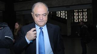 Двама министри напуснаха правителството заради главния прокурор, категоричен Атанасов