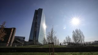 ЕЦБ мобилизира срещу кризата всичките си резерви