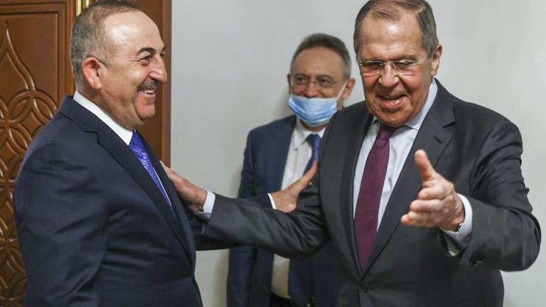 Чавушоглу и Лавров обсъдиха Нагорни Карабах, Сирия, Либия и туризма