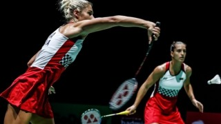 Габриела и Стефани Стоеви стартираха с победа на големия турнир в Хонг Конг